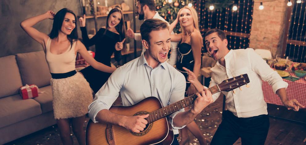 Новогодняя вечеринка дома: главные правила и полезные советы