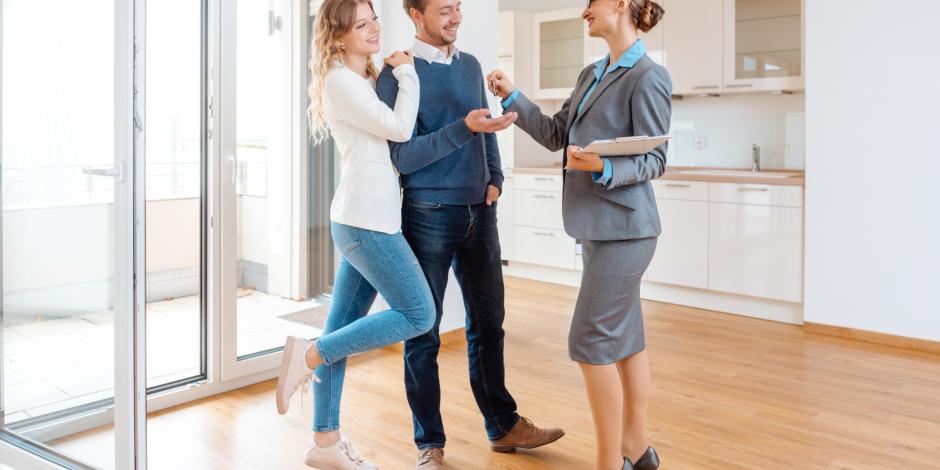 Как выгодно продать старое жилье и купить новое