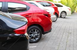 Как парковаться во дворе жилого дома