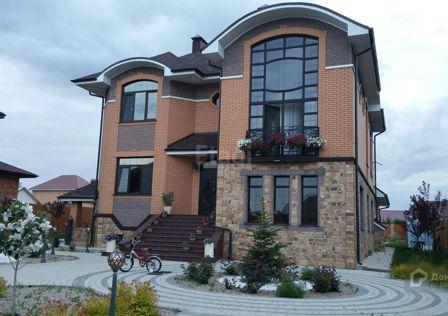 Продаётся 3-этажный дом, 390.7 м²