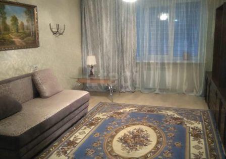 Продаётся 4-комнатная квартира, 75.3 м²