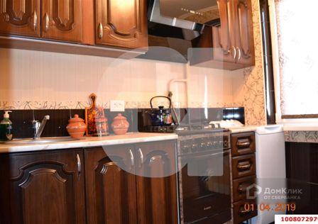 Продаётся 4-комнатная квартира, 61.4 м²
