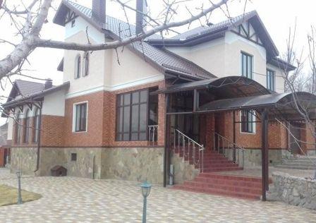 Продаётся 2-этажный дом, 372 м²