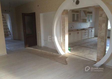 Продаётся 3-этажный дом, 360 м²