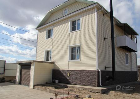 Продаётся 2-этажный дом, 212.7 м²