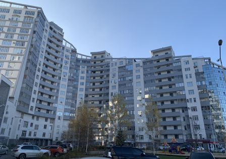 Продаётся 3-комнатная квартира, 147 м²