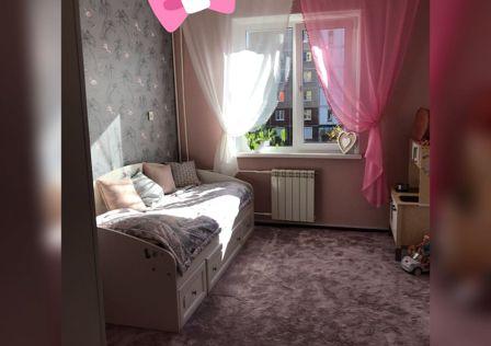 Продаётся 5-комнатная квартира, 130 м²