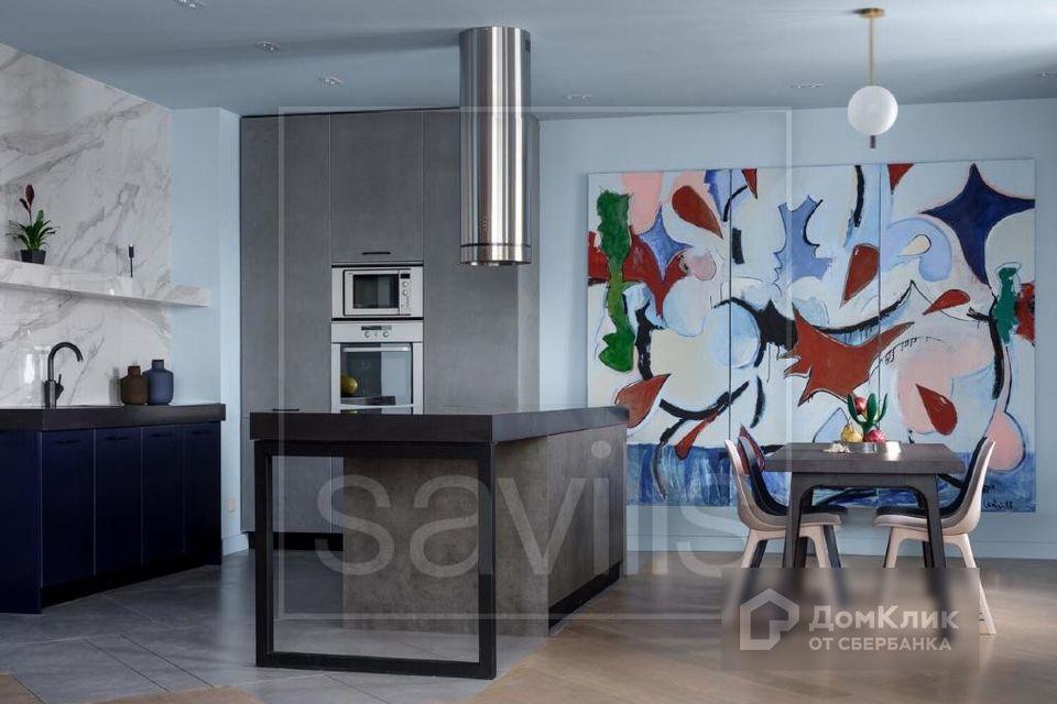 Продаётся 4-комнатная квартира, 150 м²