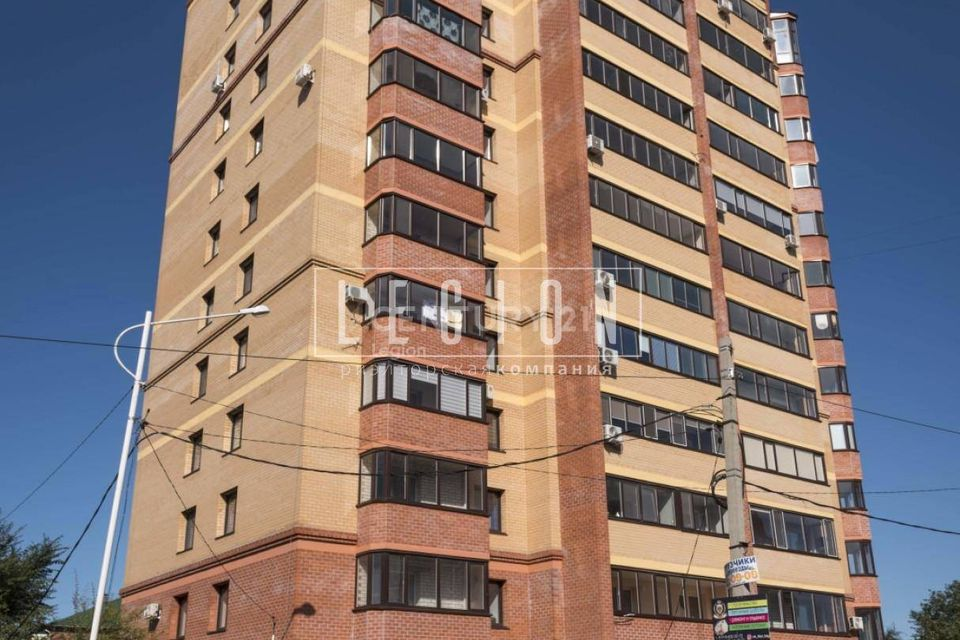 Продаётся 2-комнатная квартира, 81.2 м²