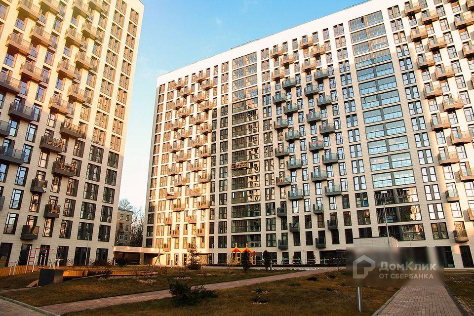 Продаётся 3-комнатная квартира, 125.7 м²