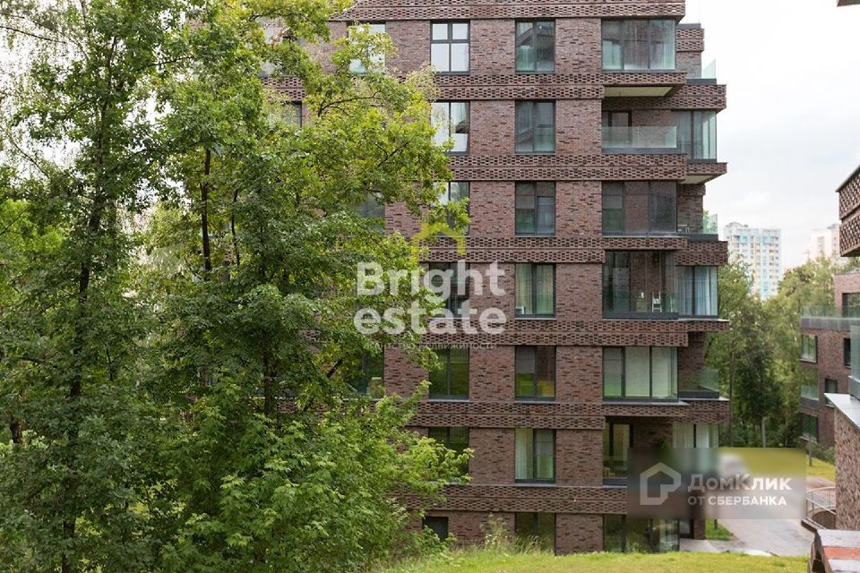 Продаётся 3-комнатная квартира, 154 м²