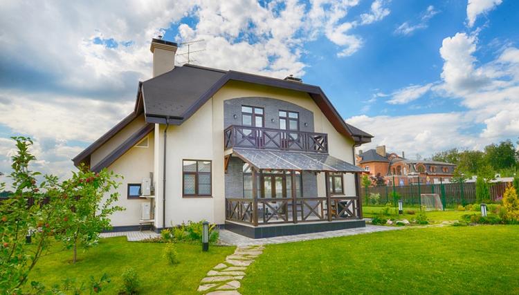 Жизнь в загородном доме: плюсы и минусы   — ДомКлик